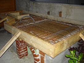 hausbau familie madlmayr fertig zum betonieren der arbeitsplatte. Black Bedroom Furniture Sets. Home Design Ideas